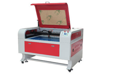 Chiny Acrylic And Leather Co2 Laser Cutting Engraving Machine , Size 600 * 900mm fabryka